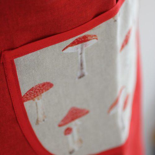 tablier_rouges_champignons_les_cols_rouges (1)